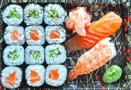 Wasabi Sushi Sushi Box 2 - 1ks Nigiri losos, 1ks Nigiri ebi, 6ks Kappa maki,6ks Sake maki