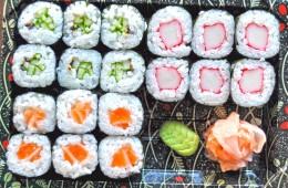 Wasabi Sushi Sushi Box 7 - 6ks Sake maki, 6ks Kappa maki, 6ks Kani maki