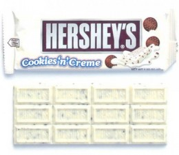 Hershey's Cookies and Cream Bar