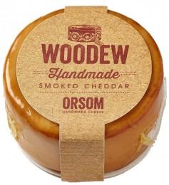 Orsom Cheddar Woodew uzený třešňovým dřevem bochníček