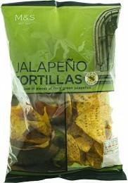 Marks & Spencer Kukuřičné tortilla chipsy s příchutí a kousky chilli papriček jalapeño