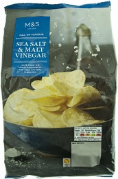 Marks & Spencer Brambůrky s příchutí mořské soli a sladového octa