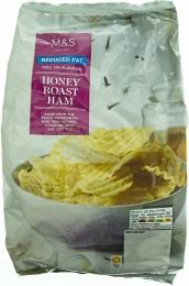 Marks & Spencer Vroubkované bramborové lupínky s příchutí šunky pečené na medu se sníženým obsahem tuku