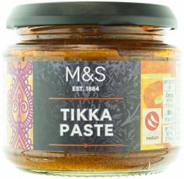 Marks & Spencer Cibulovo-rajčatová pasta se směsí koření Garam Masala na přípravu tikky