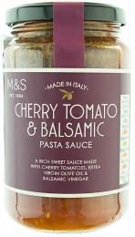 Marks & Spencer Rajčatová omáčka na těstoviny s cherry rajčaty, extra panenským olivovým olejem a balzamikovým octem