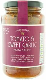 Marks & Spencer Rajčatová omáčka na těstoviny s extra panenským olivovým olejem a česnekem