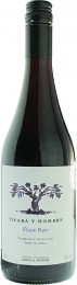 Marks & Spencer Tierra Y Hombre Pinot Noir