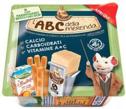 Parmareggio L'ABC Snack Parmazán, tyčinky a ovocný nápoj