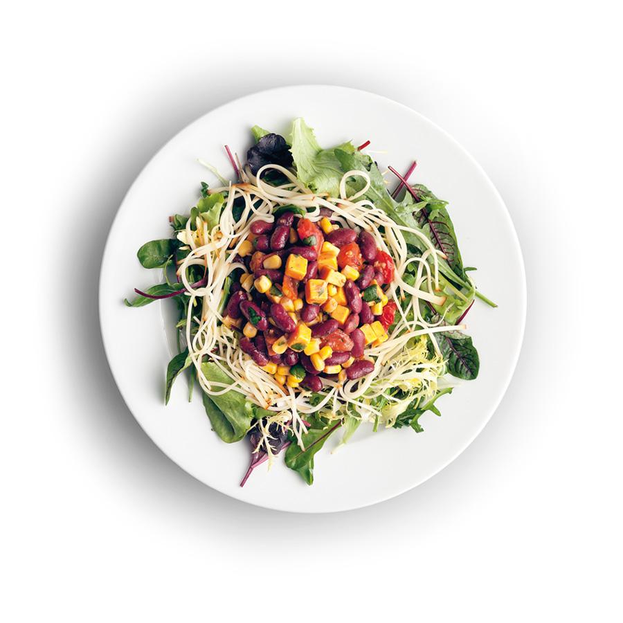 Míchaný salát sfazolemi a sýrem