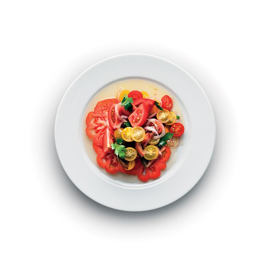 Salát z barevných rajčat
