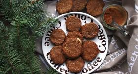 Kakaové sušenky s kokosovou náplní