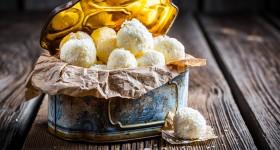Kokosové kuličky s mandlemi