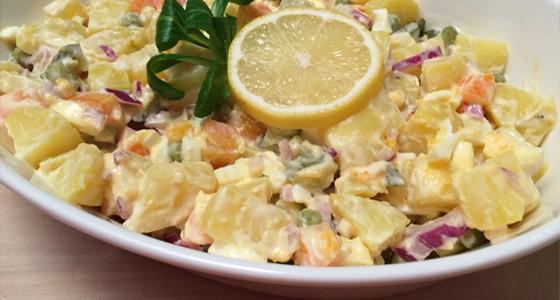 Bramborový salát s bílým jogurtem