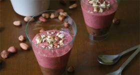 Raw dezert soříškovým a jahodovým krémem