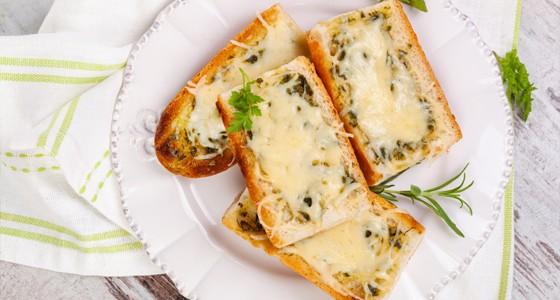 Zapečené bagetky s mozzarellou