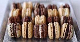 Vanilkové a čokoládové makronky