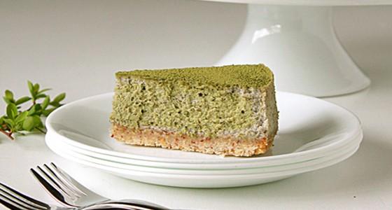 Matcha cheesecake se sezamem