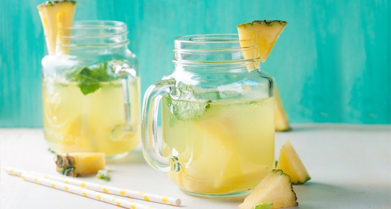 Ananasová limonáda s kokosem