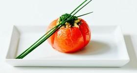 Pečená rajčata s pažitkovou nádivkou