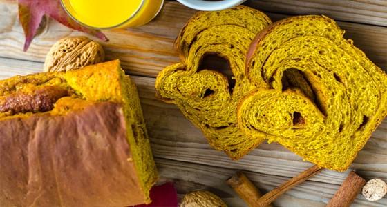 Kynutý dýňový chléb se skořicí