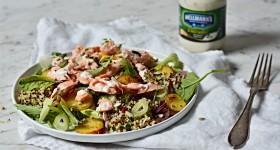Quinoa salát s lososem