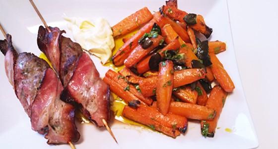 Mleté maso ve slanině s pečenou mrkví