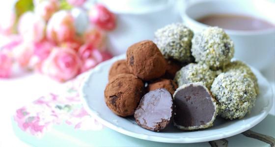 Čokoládové lanýže s Amarettem a rozmarýnem