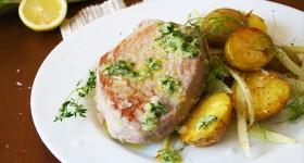 Tuňák sbylinkovo-citronovým olejem a teplým salátem