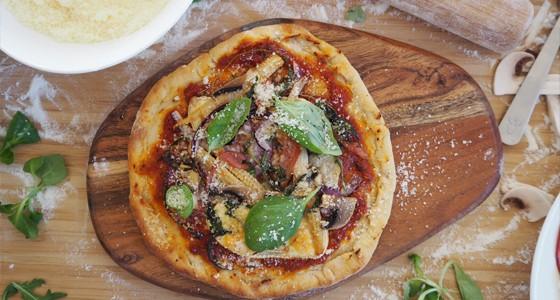 Domácí pizza se šunkou
